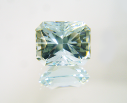 Shows the finished Radiant cut Aquamarine.