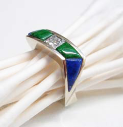 A side view of the finished ring with Lapis and Jadeite.